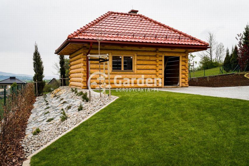 trawnik-domek-ogrod